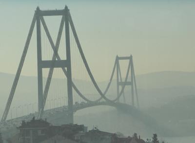 Brücke zwischen Europa und Asien